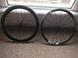 Carbon Clincher Wheelset - Less than 100 miles!