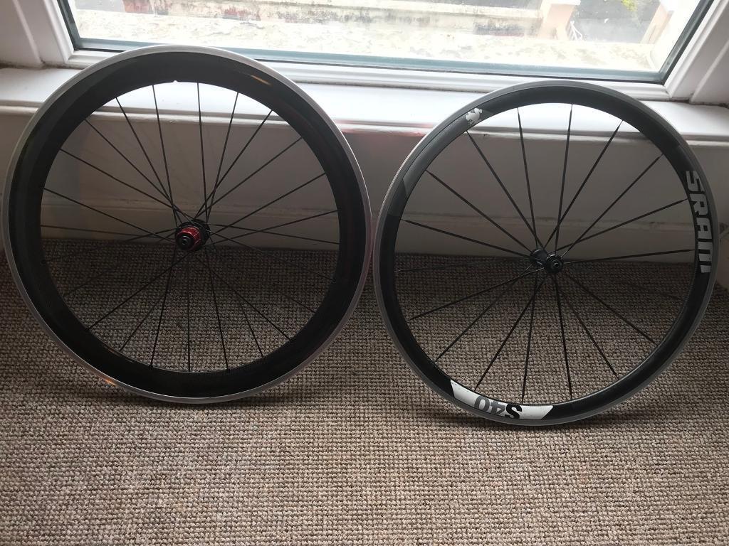 Carbon Clincher Wheelset - Less than 100 miles!