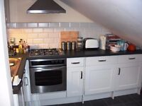 Lovely 2 bed in Balham- Must see available Mid march