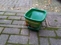 Garden Handy Spreader New !!!
