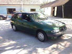 Vauxhall Astra Green 1.4 petrol - 5 months MOT