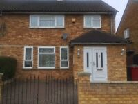 3 bedroom semi-detached house with Conservatory to rent
