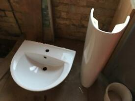 B & Q Pedestal bathroom sink £10