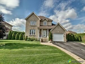 387 500$ - Maison 2 étages à vendre à Terrebonne (Terrebonne)