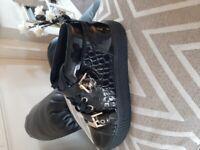Kurt geiger flat boots
