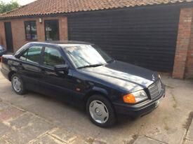 1994 Mercedes Benz 220D, 4 door saloon.