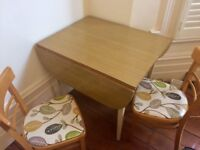 70s style table and chairs