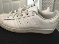 Women's super star trainers
