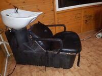 Hairdressing back wash basin