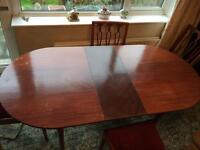 Mahogany extending dinning room table and 4 chairs shabby project ??