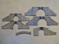 Job Lot OO Gauge Painted Plastic Tunnel Portals + Tunnel Portal Side Walls x 15 Pieces