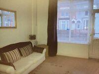 Stunning 1 Double Bedroom Ground Floor Flat - Available 1 June 2016