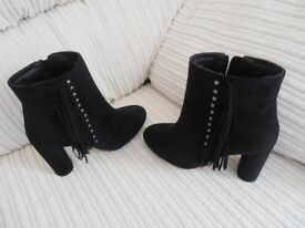 BLACK SUEDE ANKLE BOOTS BRAND NEW SIZE3