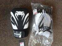Venum impact 16oz boxing gloves NEW
