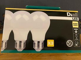 Diall LED bulbs E27 3pk warm white or cool white