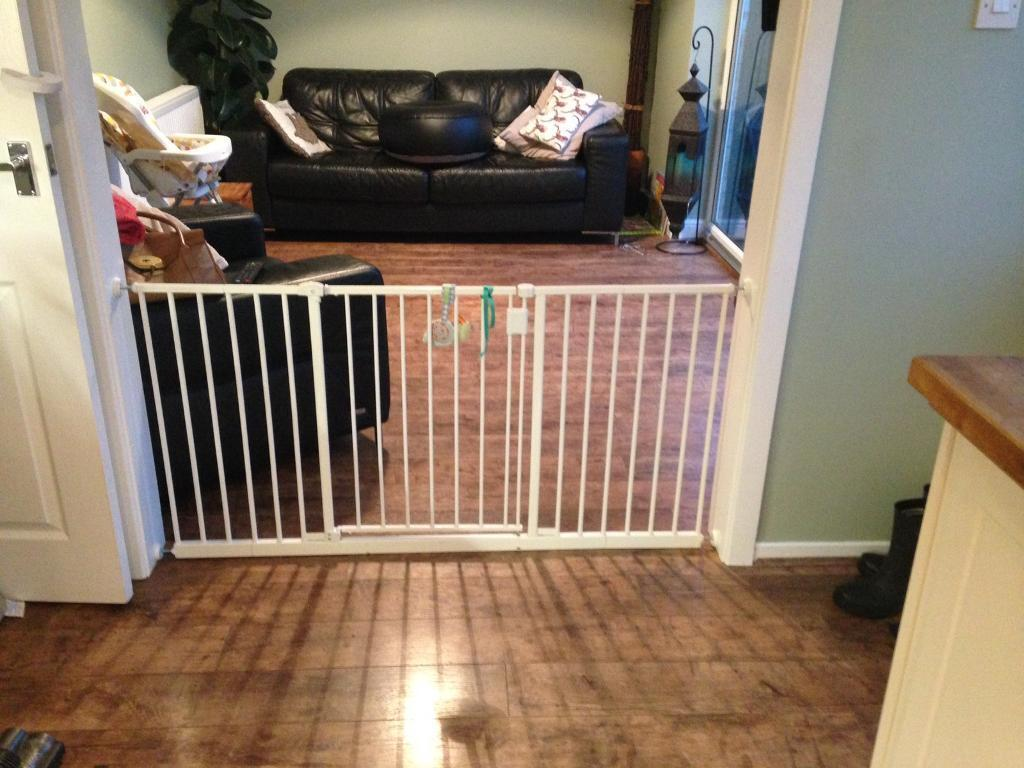 extra long baby gate - baby gate extra long extendable in clitheroe lancashire gumtree