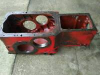 International B414 Transmission /gearbox casting