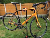 Trek domane 5.2 full carbon road bike in immaculate condition