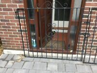 Pair of heavy duty wrought iron gates 5