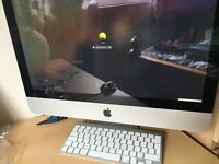 """Excellent condition iMac 21.5"""" with original box- perfect for uni!"""