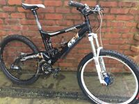 Mountain Bike 2008 Commencal Meta 55 MTB full sus with lots of upgraded parts