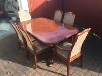 Solid wood dinning table & 6 chairs extends to seat 8 people attractive piece of Furniture