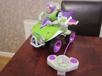 TOY STORY - REMOTE CONTROL BUZZ LIGHTYEAR QUAD BIKE