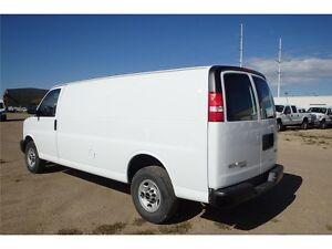 2015 GMC Savana Cargo Van, 4.8L Vortec V8 Gasoline, 27,178 KM Edmonton Edmonton Area image 2