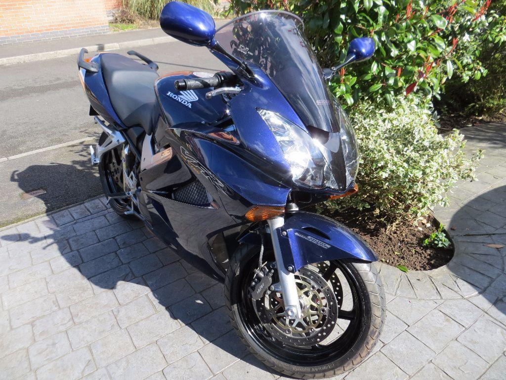 Honda Vfr 800 Vtec 2004 Low Mileage In Littleover Derbyshire Gumtree