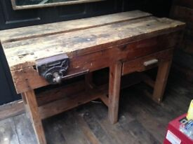 VICTORIAN TOOL BENCH WITH ORIGINAL VICE AND STILL WITH DRAW INTACT GREAT LOOKING ITEM ,DELIVERY
