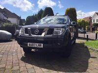Nissan Navara outlaw 2.5 diesel manual in very clean condition with service history mot great car