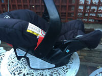 Graco Junior car seat, used in good condition.