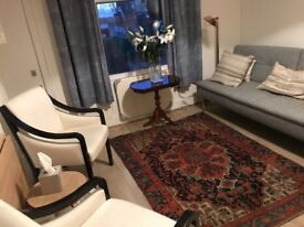 Therapy room in Hammersmith to share with one other therapist.
