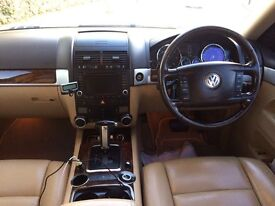 Volkswagon Touareg 2007 130k miles excellent condition black with cream leather seats full spec!