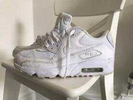 Nike trainers size 5 1/2