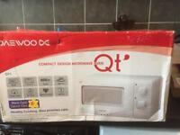 Daewoo DC compact design microwave QT1