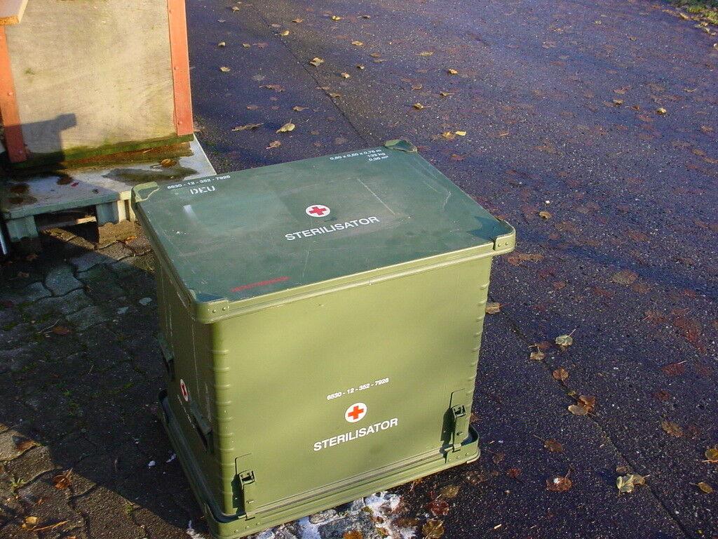 original bundeswehr transportbox 130l zarges alu box. Black Bedroom Furniture Sets. Home Design Ideas