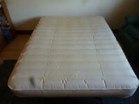 Great Expanding Double Bed, self expanding, self contracting!