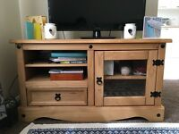 Pine wood entertainment unit / TV stand for sale in Bethnal Green £35