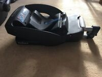 Maxycosi baby car seat plus seat base