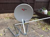 Triax 110cm Satellite dish with pole and bracket