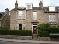 3 bedroom flat in Holburn Street, Aberdeen, AB10 (3 bed) (#1225810)