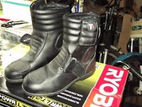 size 5 motorcycle boots ladies or kids short style as new