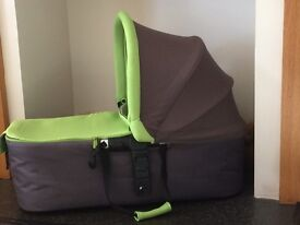 Jane Strata car seat and microcarry cot