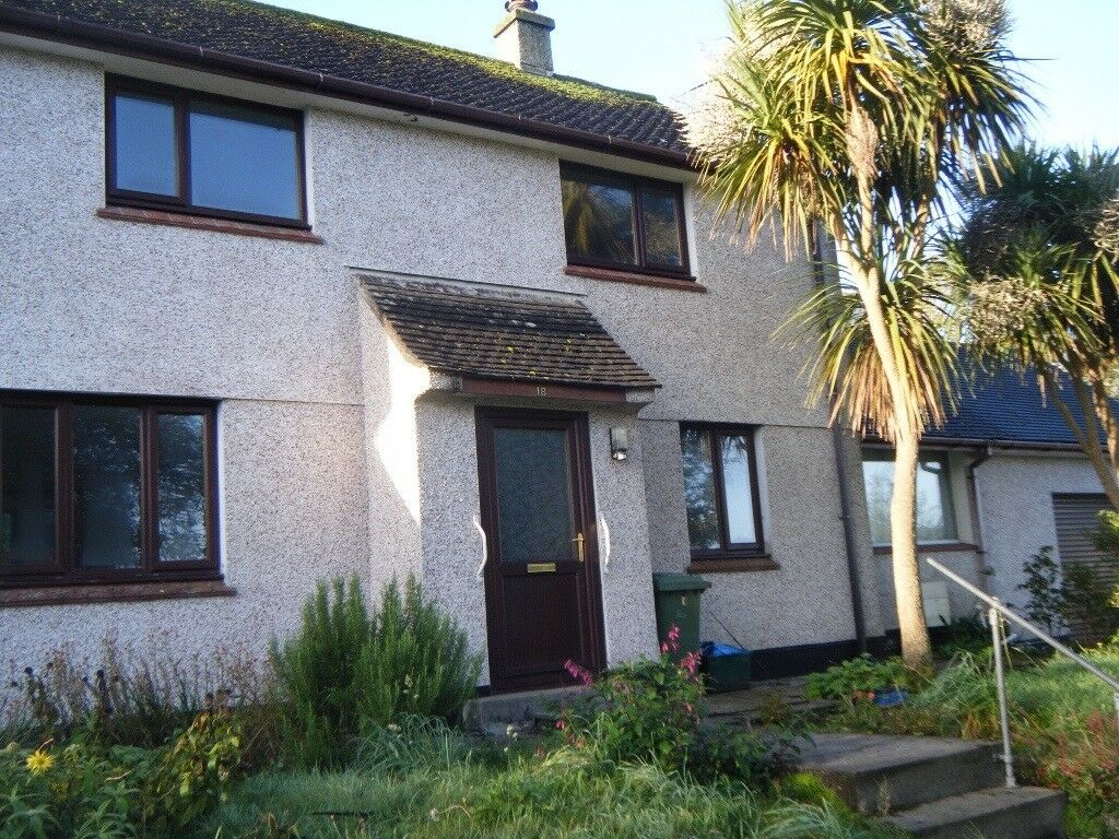 Unfurnished 3 bedroomed house in Alverton, Penzance.