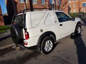 LAND ROVER FREELANDER 2.0 TD4 54 REG WHITE HARD TOP 12 MONTHS MOT JUST SPENT £1000 ON IT DRIVES MINT