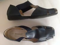 Ladies shoes - size 7 - Leather sandalised shoes by Damart