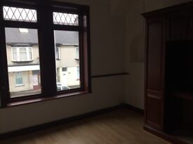 2 bed upper flat with small garden to rent in Methil