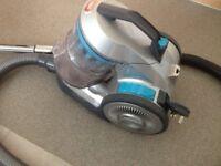 Vacuum cleaner (VAX) £30