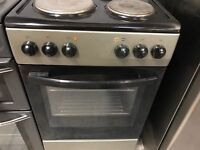 *SILVER/BLACK SOLID PLATE TOP ELECTRIC COOKER+GOOD WORKING+FREE DELIVERY+VERY CLEAN+1 MONTH WARRANTY